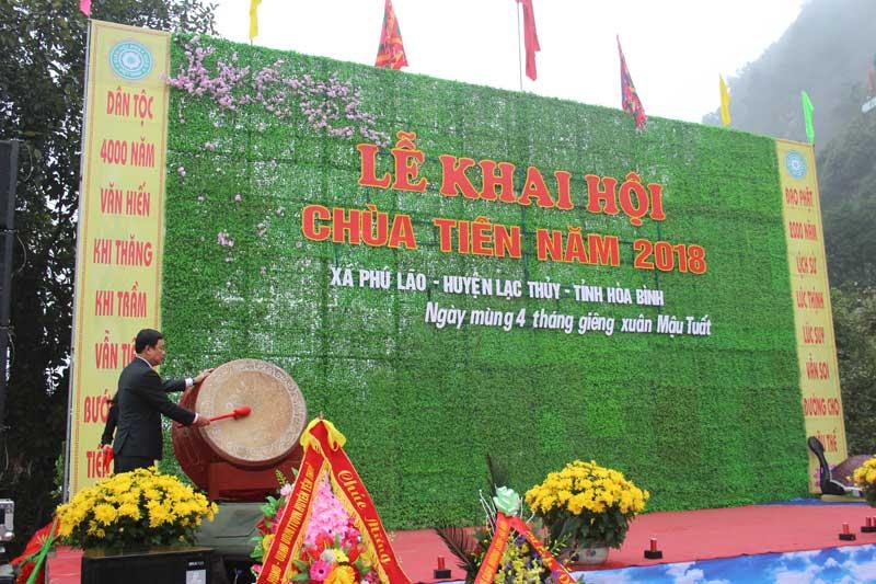 Tưng bừng lễ Khai hội Chùa Tiên - Đầm Đa 2018