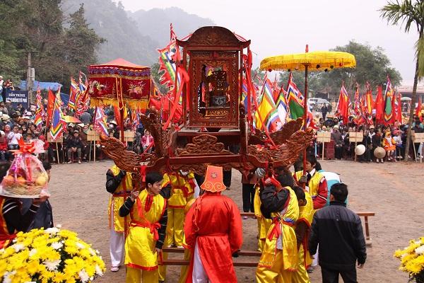 Chuẩn bị khai hội chùa Tiên - Đầm Đa