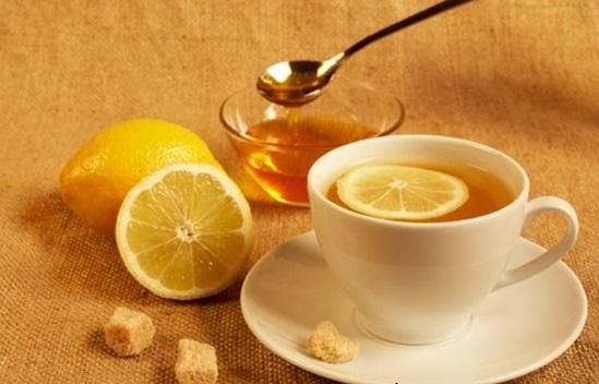 Trà chanh mật ong chữa viêm họng hạt