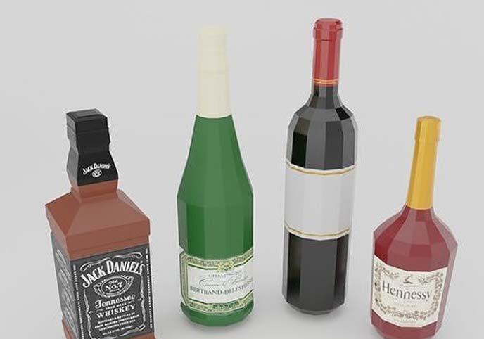 Low poly set of 4 bottles